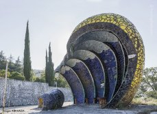 strange-beautiful-bus-stops-soviet-christopher-herwig-26