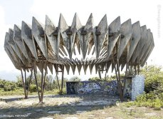 strange-beautiful-bus-stops-soviet-christopher-herwig-28