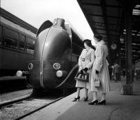 Gare de Lyon, Train Aérodynamique Paris-Marseille 9H, 1937